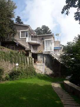 Luxurious Guest House - Murree