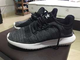 Adidas originals tubular(hardly worn)