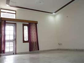 TEN MARLA FIRST FLOOR FOR SMALL FAMILY ONLY