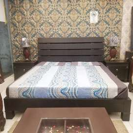Bed set low style deaign