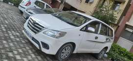innova car contact for taxi to anywhere senatized car