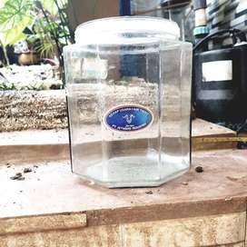 etalase kaca ukuran kecil