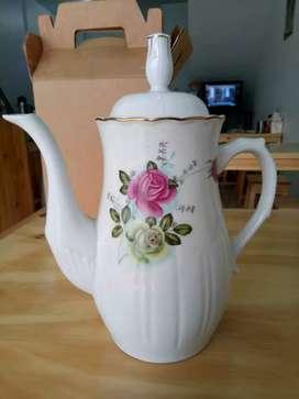 VINTAGE teapot (teko keramik cantik)