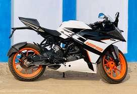 3  Mahina Purana KTM RC 125 White