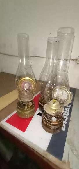 Lampu Minyak Antik