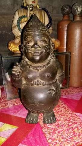 Patung antik prunggu tua