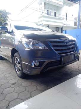 Toyota Kijang Innova 2.0/MT Bensin ( Istimewa )