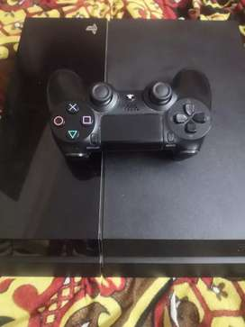 PS4 Console with Controller and 7games cds