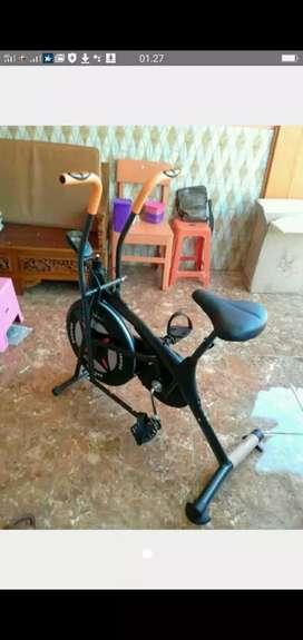 Alat fitnes sepeda statis platinum bike promo termurah