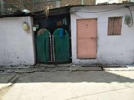 मकान बेचना है 750 squre fit कीमत 18,00000