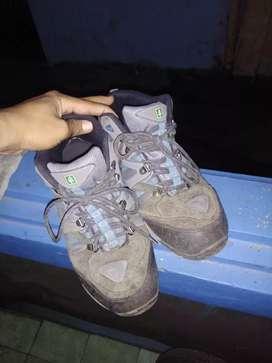 Di jual BU sepatu Eiger Original