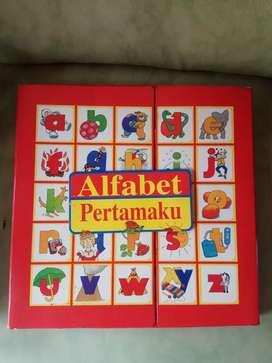 Buku Alphabet alfabet Pertama buat Balita