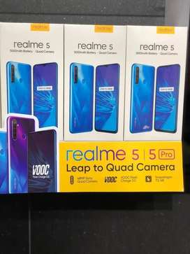 New Real me 5 box pack new 4gb 64gb
