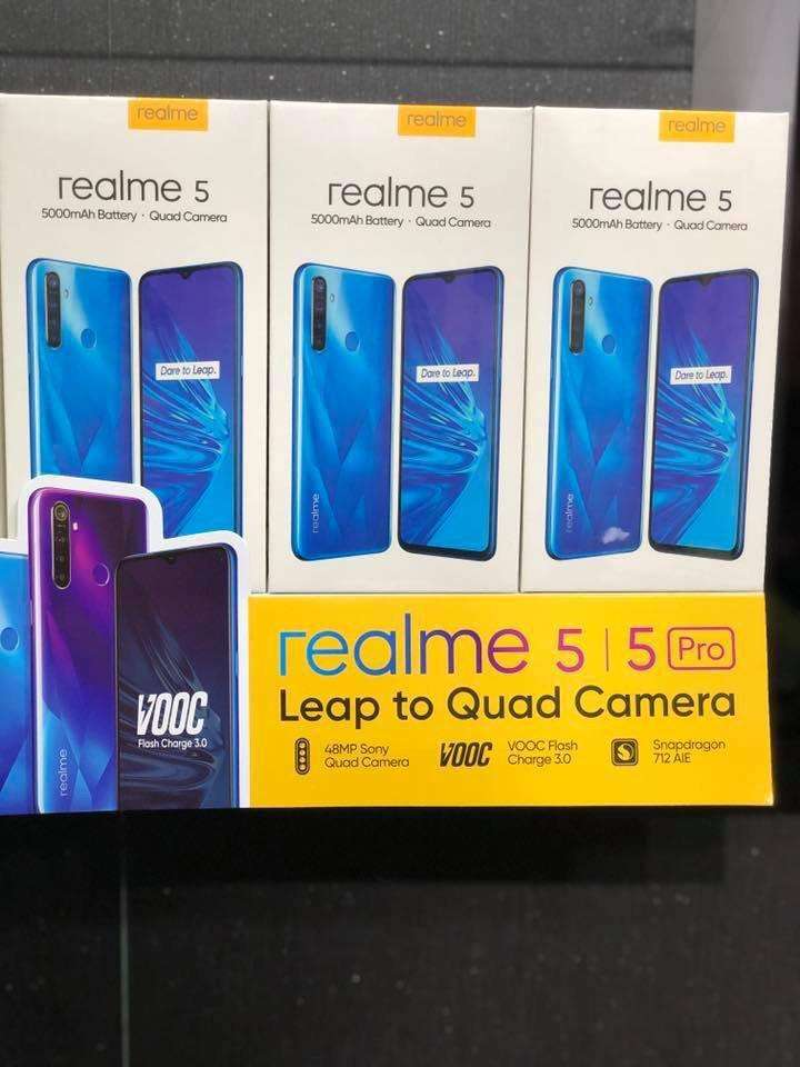New Real me 5 box pack new 4gb 64gb 0