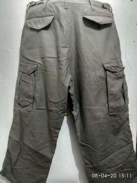 Celana cargo tebal size 31 US armi