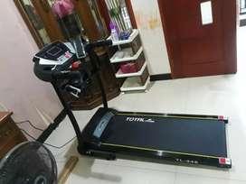 Type TL 246 Treadmill elektrik 2 fungsi black