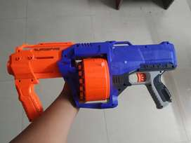 Nerf Gun with 14 darts