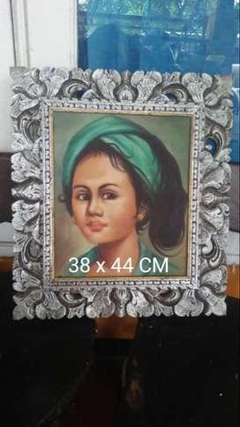 Lukisan Wanita Bali Bingkai Ukiran