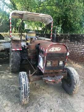 Eicher 364 tractor with trolley + teller