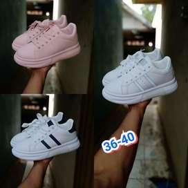 Sepatu Sneaker 2019
