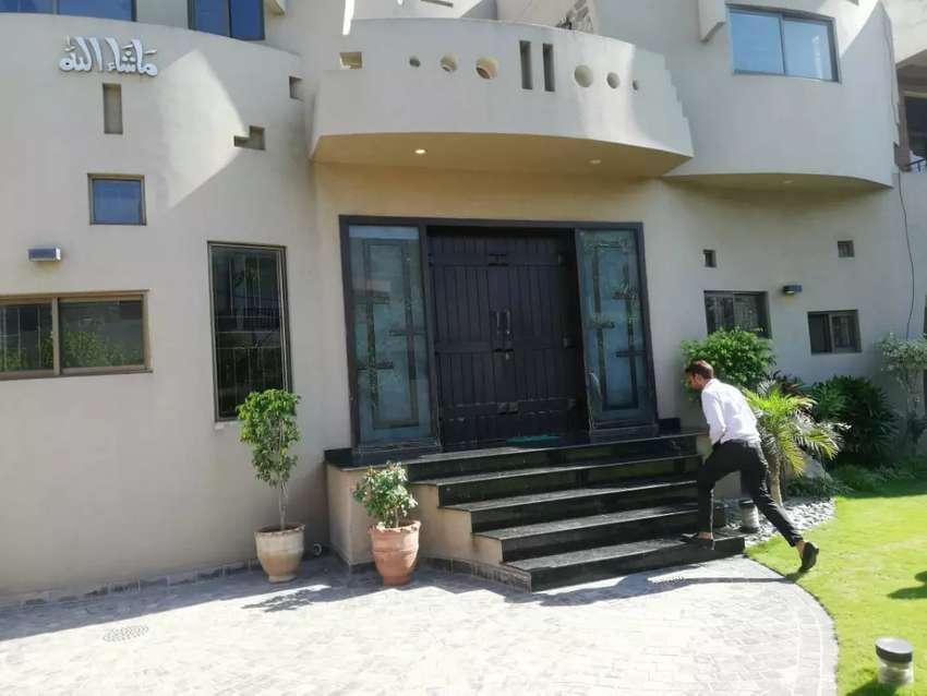 New brand 21 Marla basement house for sale Cantt Lahore 0