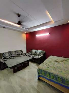 Freehold 3.rd with roof 2.bhk 100 gj avlable for sale 75.lakh