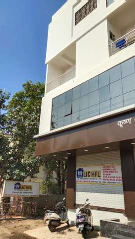 Available 2bhk flat wid all basic facilities.