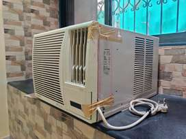 Fully Functional AC: Second Hand Air Conditioners