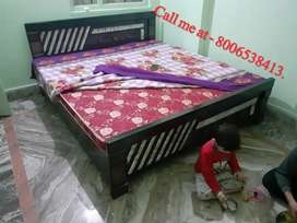 King Size Bed with Diwan box type with metress in Excellent condition