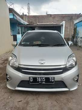 TOYOTA AGYA 1.0 SILVER MANUAL 2014