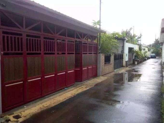 rumah 2 lantai 5 kamar tidur di komplek bina marga pondok kelapa