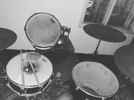Acoustic Drums full set
