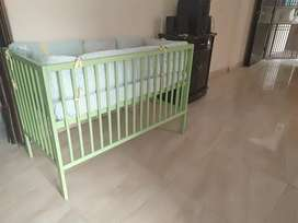 Baby bed with bed bumper