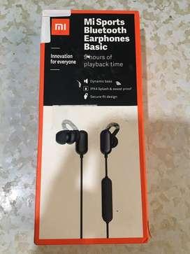 (Box open) Mi sports bluetooth earphone