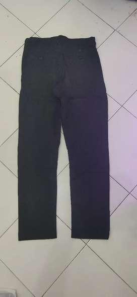 Celana Chino hitam size fit 29-30
