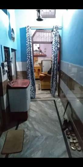 Independent house  with everthing u want beside railway station.