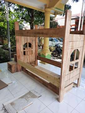 Tempat tidur tingkat kayu tempahan bisa request