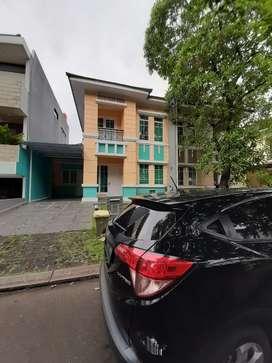 Rumah disewakan di The Green Veniyard BSD, Serpong, Tangerang Selatan