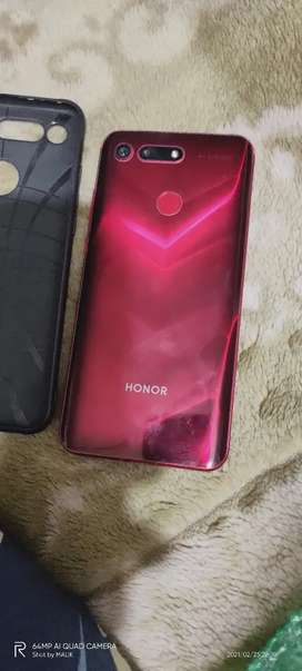I am selling Huawei honor view 20 8/256gb