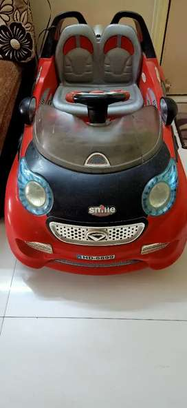 Kid's electric battery operated car 1 to 5 years