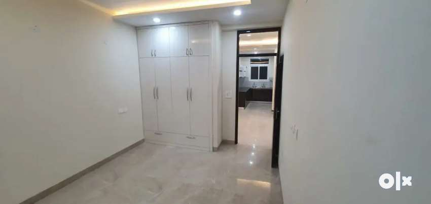 2 BHK with Lift on Highway