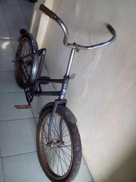 Sepeda antik ukuran 20