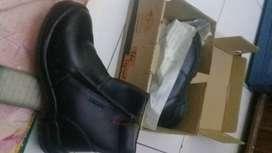sepatu safety merk kings no 10