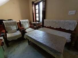 Sofa ( Pidha) set with table