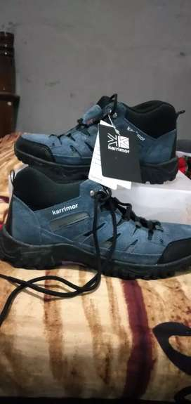 Sepatu trekking karrimor