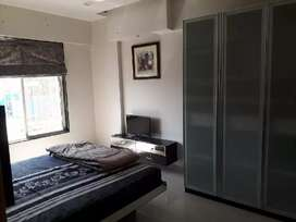 Flats in Noida and delhi under 10000, available only for girls...