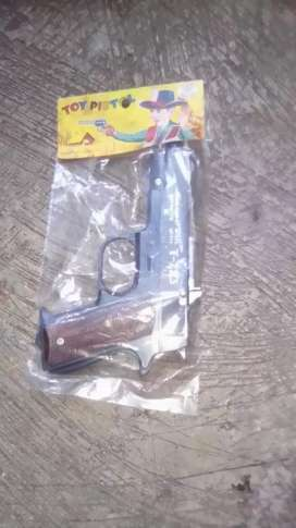 Pistol mainan dolbis