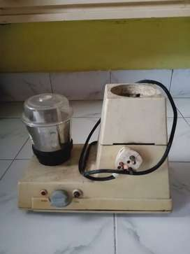 Maharaja Mixer Grinder with Jar and in working condition