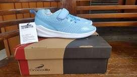 Sepatu anak perempuan Merk Crocodile uk. 34 warna Light Blue