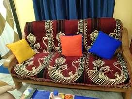 Sell a sofa set plz price kamane ke liye na bole